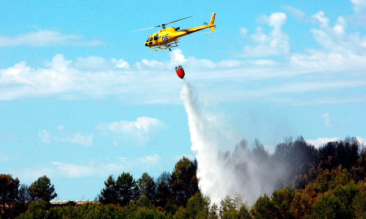 Piloto-helicoptero-para-apagar-incendios-academia-piloto-helicopteros-usa