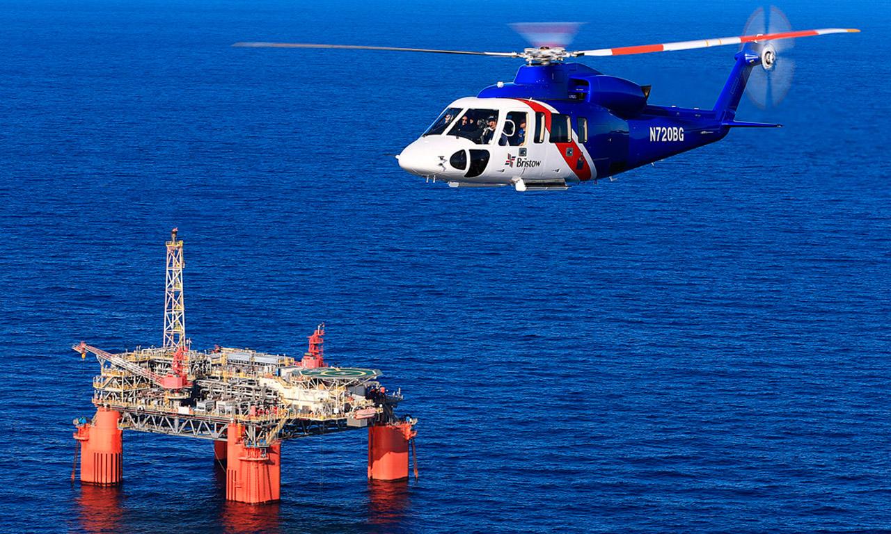 Transporte-de-personal-a-plataformas-petrolíferas-academia-piloto-helicopteros-usa