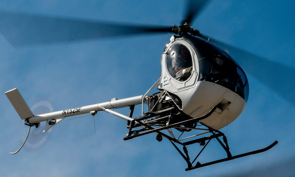 Academia-piloto-helicoptero-usa-s300cbi-helicopter